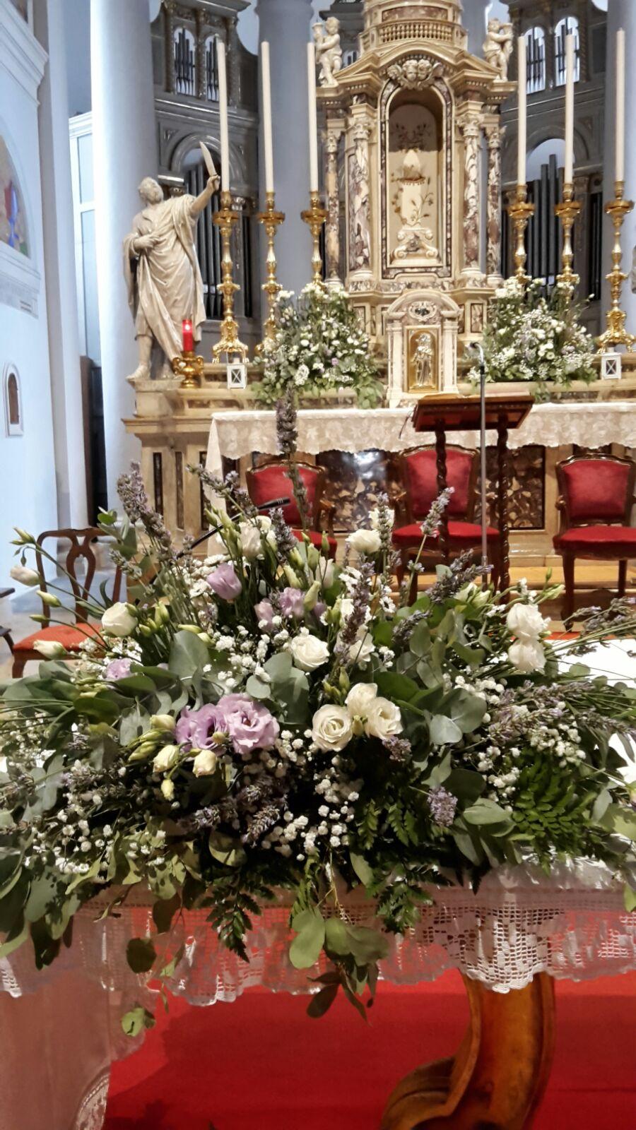 Matrimonio In Bosco : Matrimonio il bosco entra in chiesa