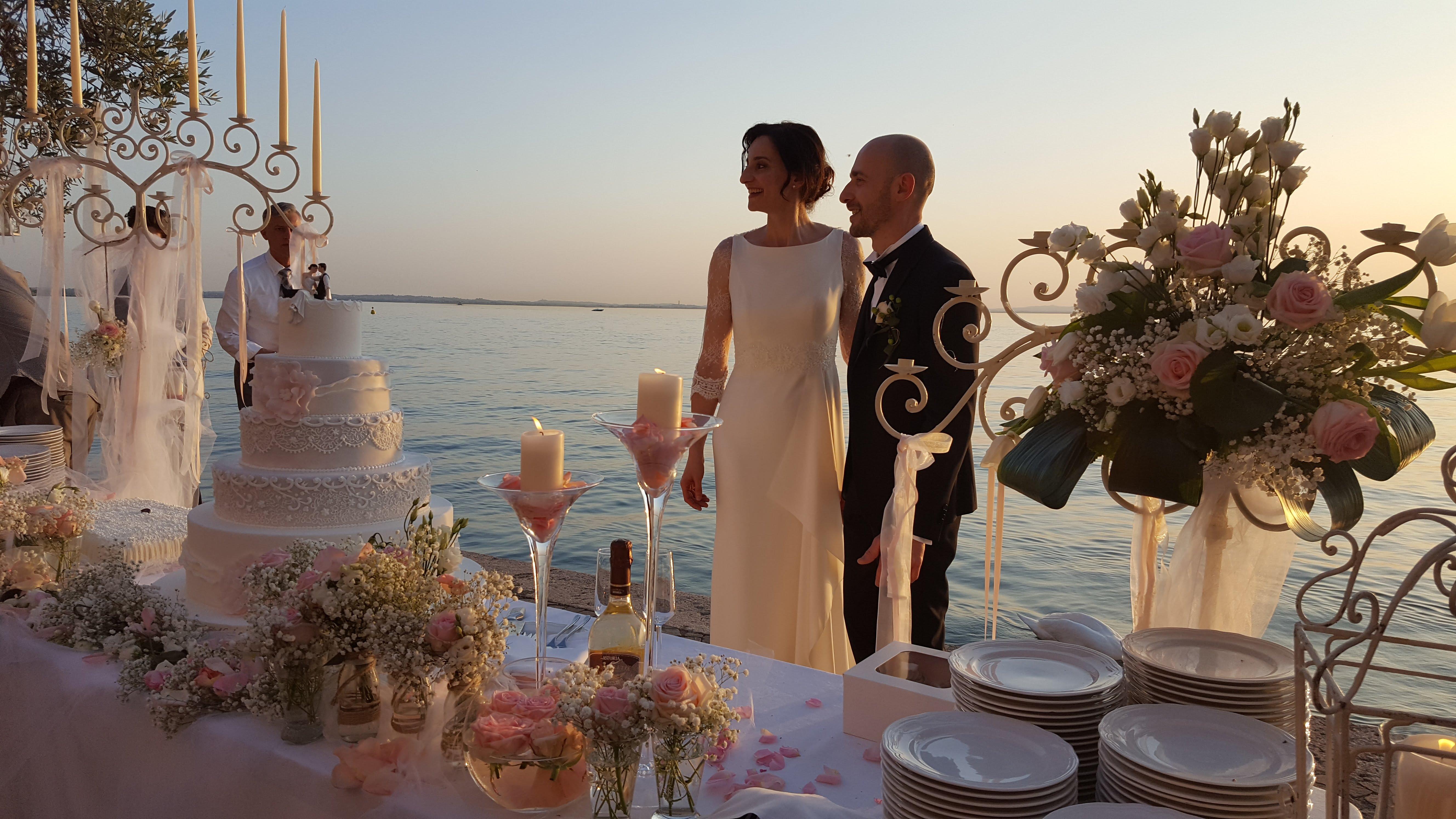 Tema Matrimonio Candele E Lanterne : Uno dei momenti tanto attesi da tutti gli invitati è il taglio della
